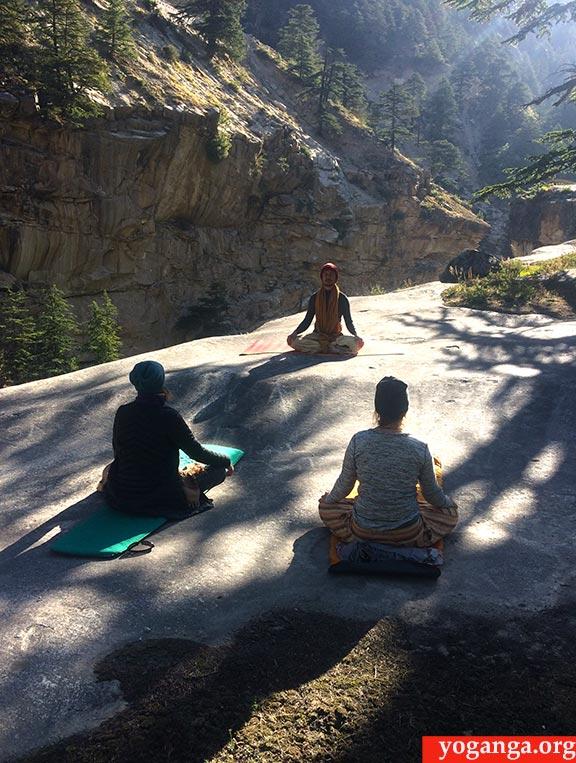 Two-week-retreat-in-Himalaya