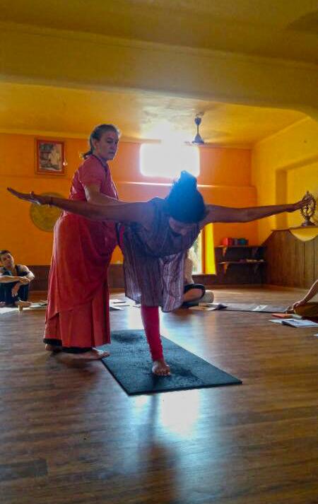 Best-yoga-teacher-training-school-in-rishikesh